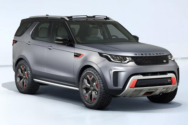 2018 Land Rover Discovery: New Car Review featured image large thumb2
