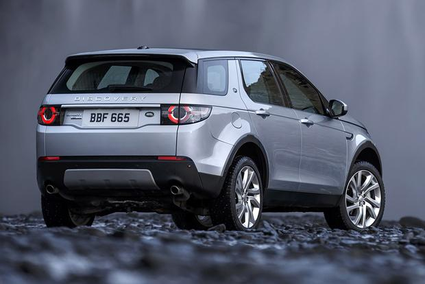 2015 Land Rover Discovery Sport vs. 2015 Range Rover Evoque: What's the Difference? featured image large thumb3