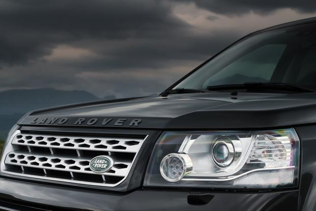 2013 Land Rover LR2: OEM Image Gallery featured image large thumb3