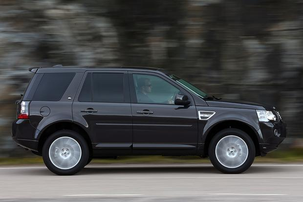 2015 Land Rover LR2 vs. 2015 Land Rover Discovery Sport: What's the Difference? featured image large thumb9