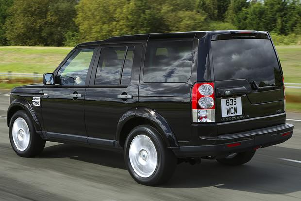 2015 Land Rover LR4: New Car Review featured image large thumb2