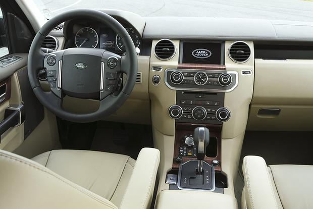 2015 Land Rover LR4: New Car Review featured image large thumb3