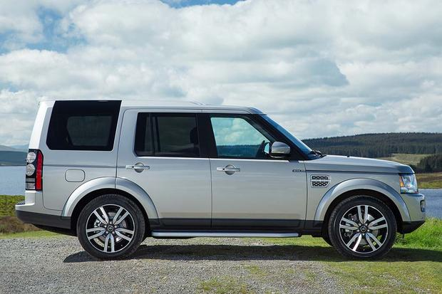 2016 Land Rover LR4: New Car Review featured image large thumb1
