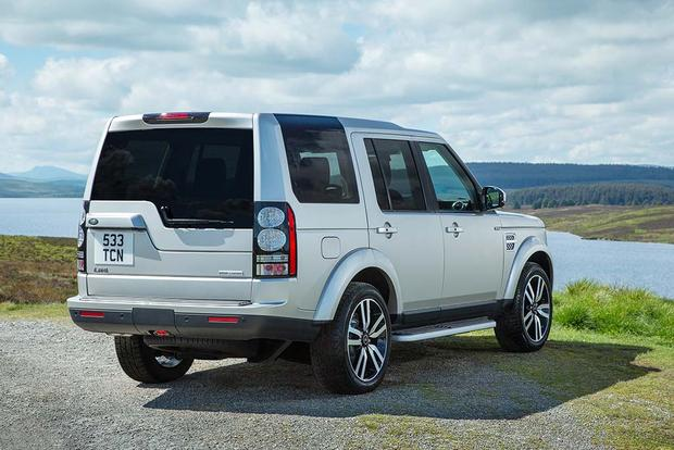 2016 Land Rover LR4: New Car Review featured image large thumb3
