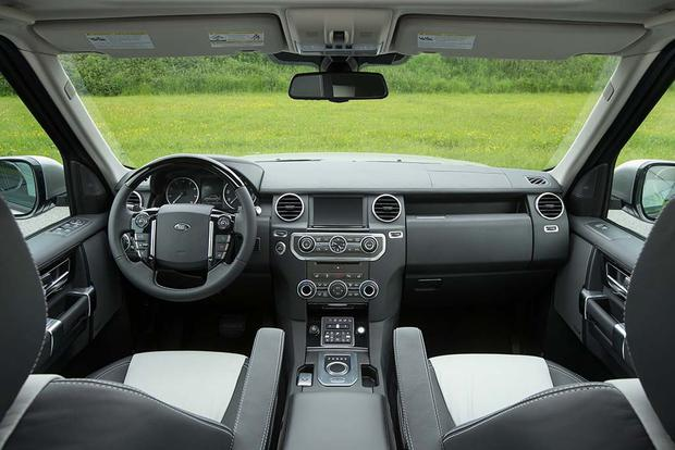 2016 Land Rover LR4: New Car Review featured image large thumb7