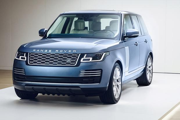 2018 Land Rover Range Rover: New Car Review featured image large thumb2