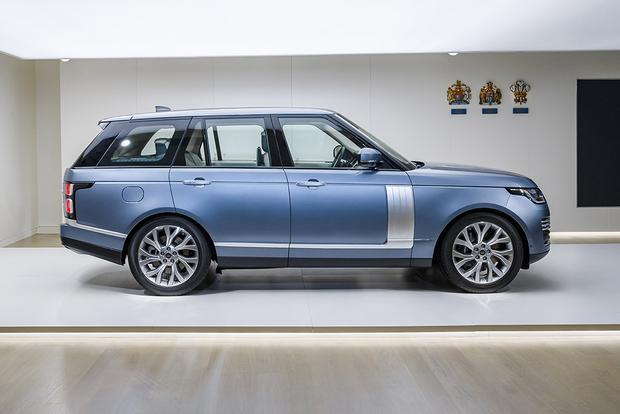 2018 Land Rover Range Rover: New Car Review featured image large thumb3