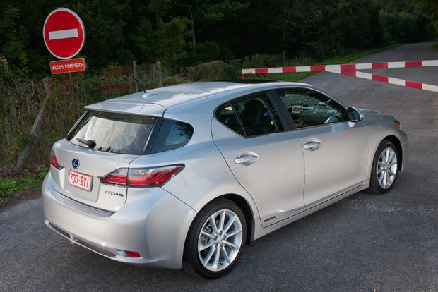 2013 Lexus CT200h: New Car Review featured image large thumb1