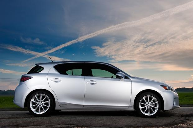 2012 Lexus CT 200h: New Car Review featured image large thumb4