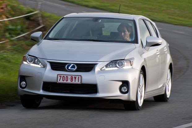 2013 Lexus CT200h: New Car Review featured image large thumb6