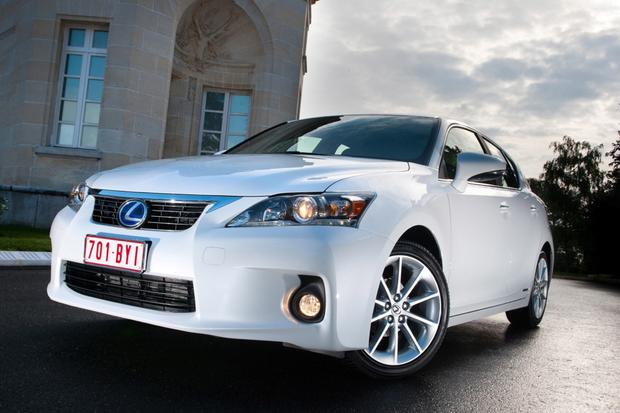 2014 Lexus CT 200h: New Car Review featured image large thumb1