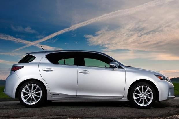 2014 Lexus CT 200h: New Car Review featured image large thumb2