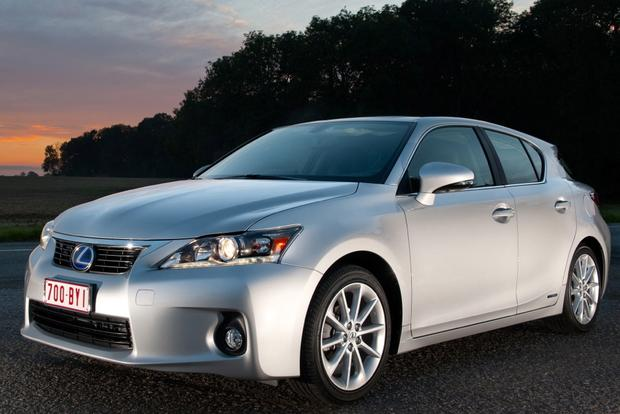 2014 Lexus CT 200h: New Car Review featured image large thumb4