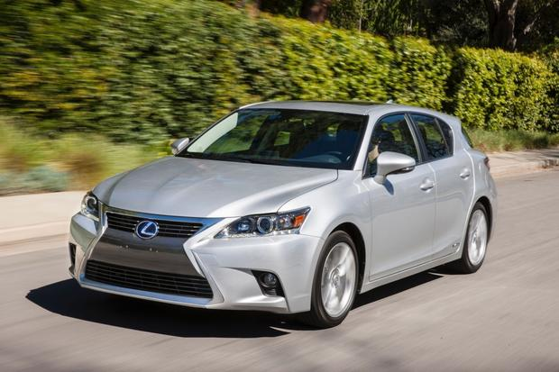 2014 Toyota Prius vs. 2014 Lexus CT 200h: What's the Difference? featured image large thumb4