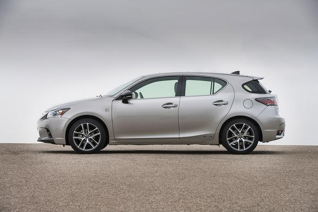 2017 Lexus CT200h: New Car Review featured image large thumb3
