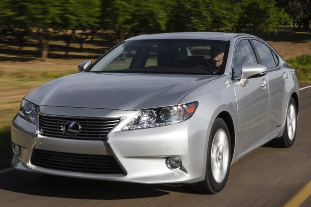 2013 Lexus ES 300h: Real World Test