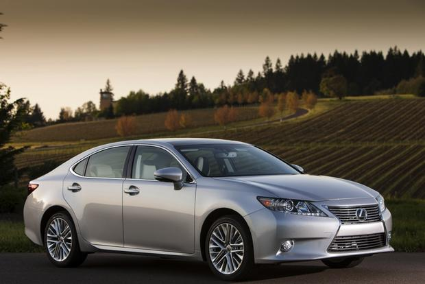 2013 Lexus ES: New Car Review featured image large thumb1