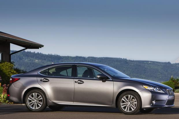 2013 Lexus ES: New Car Review featured image large thumb2