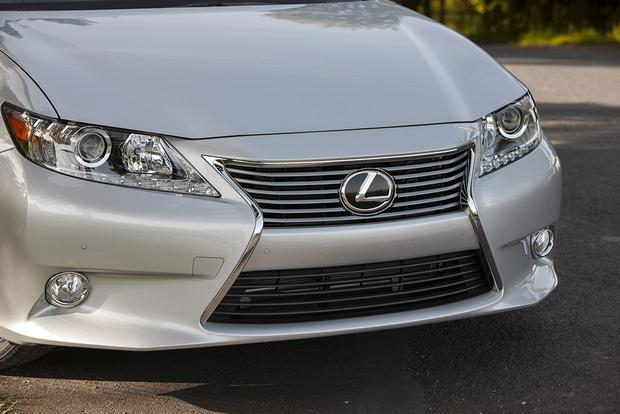 2015 Lexus ES 350: Used Car Review featured image large thumb3