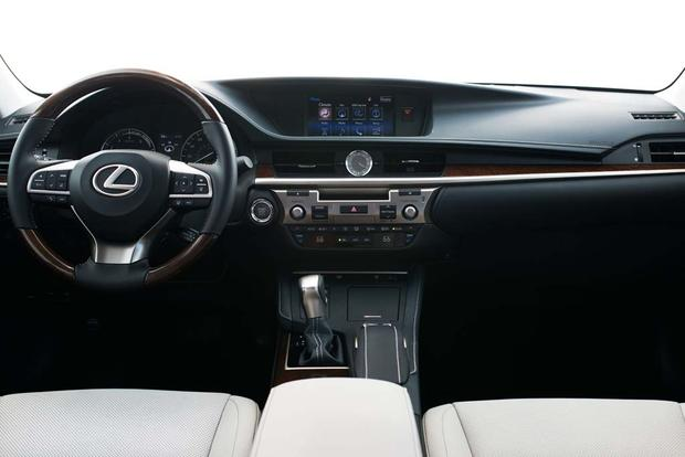 2016 Lexus ES: New Car Review featured image large thumb4