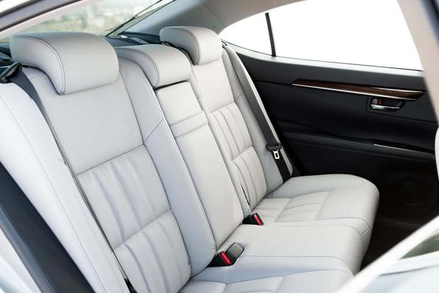 2016 Lexus ES: New Car Review featured image large thumb5