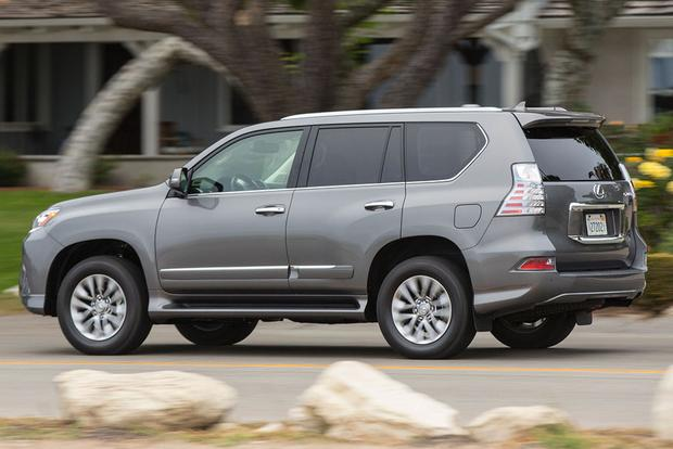 2016 Lexus GX 460 vs. 2016 Lexus LX 570: What's the Difference? featured image large thumb9