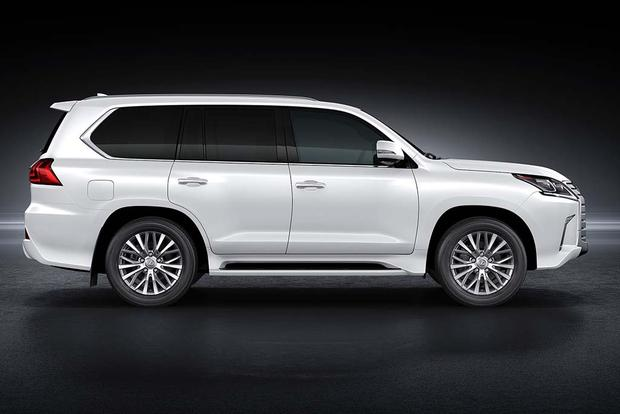2016 Lexus GX 460 vs. 2016 Lexus LX 570: What's the Difference? featured image large thumb4