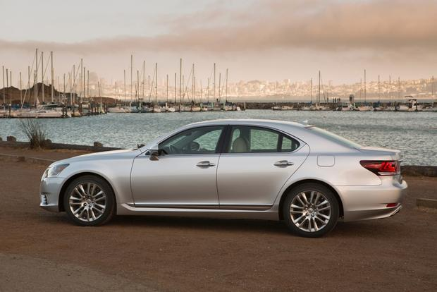 2013 Lexus LS: OEM Image Gallery featured image large thumb3