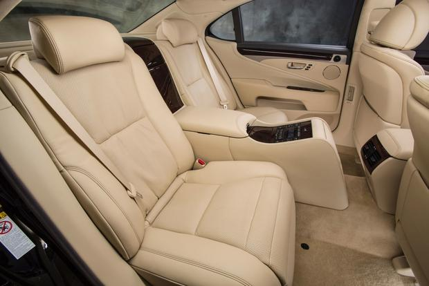 2013 Lexus LS: OEM Image Gallery featured image large thumb12