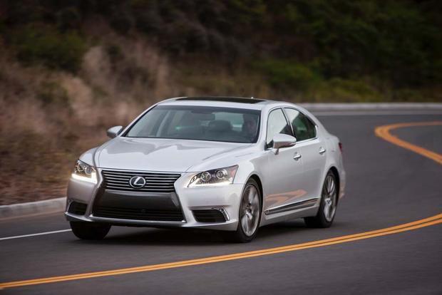 2017 Lexus LS: New Car Review featured image large thumb2