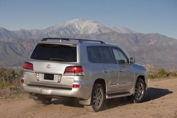 2013 Lexus LX 570: New Car Review featured image large thumb3