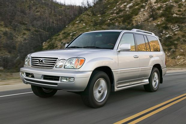 2006 Lexus LX 470 vs. 2016 Lexus LX 570: Is Newer Always Better? featured image large thumb9