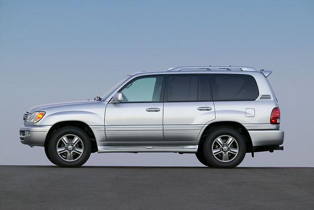2006 Lexus LX 470 vs. 2016 Lexus LX 570: Is Newer Always Better? featured image large thumb7
