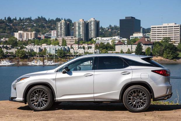 2016 Lexus NX vs. 2016 Lexus RX: What's the Difference? featured image large thumb6