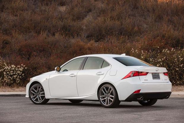 2016 Lexus RC vs. 2016 Lexus IS: What's the Difference? featured image large thumb4
