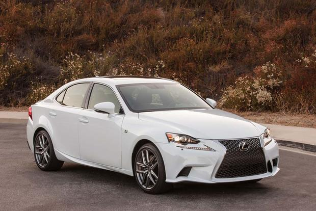 2016 Lexus RC vs. 2016 Lexus IS: What's the Difference? featured image large thumb8