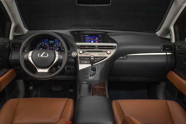2014 Toyota Highlander vs. 2014 Lexus RX: What's the Difference? featured image large thumb9