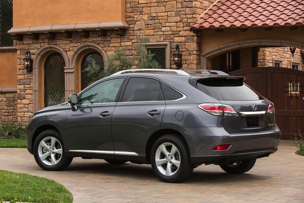 Luxury SUV Deals: December 2014 featured image large thumb5