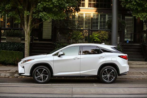 2016 Lexus RX vs. 2016 Acura MDX: Which Is Better? featured image large thumb5