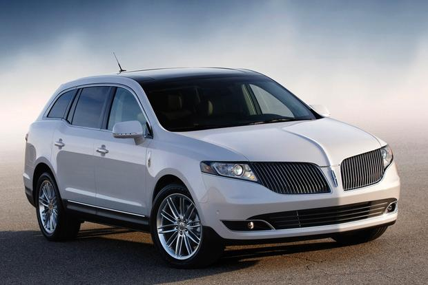 2017 Lincoln MKT: New Car Review featured image large thumb4