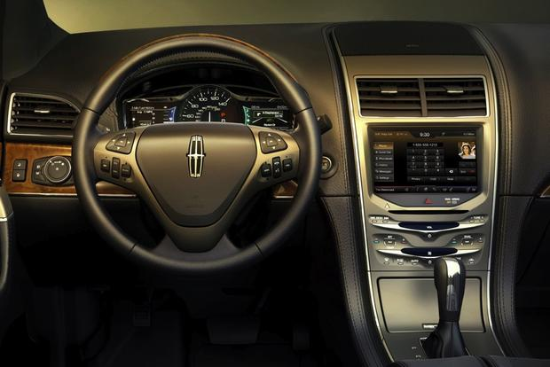 2013 Lincoln MKX: New Car Review featured image large thumb4