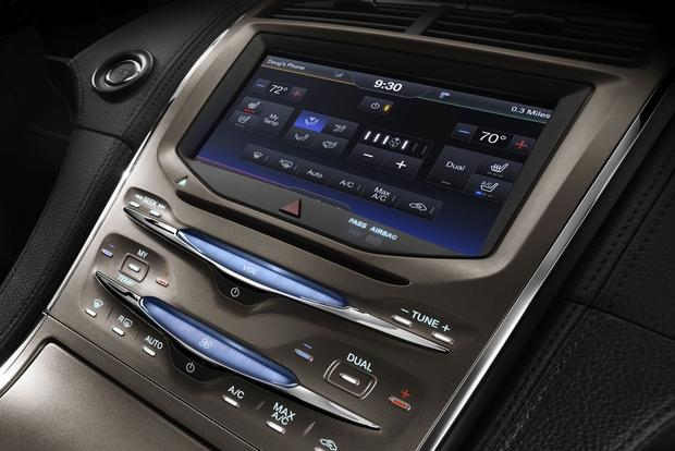 2013 Lincoln MKX: New Car Review featured image large thumb5