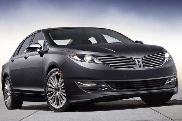 2013 Lincoln MKZ: New Car Review featured image large thumb2