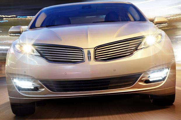 2014 Lincoln MKZ: New Car Review featured image large thumb1