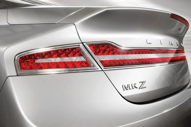 2014 Lincoln MKZ: New Car Review featured image large thumb4
