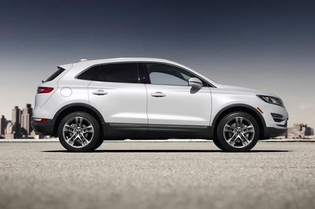 2015 Lincoln MKC: New Car Review featured image large thumb1
