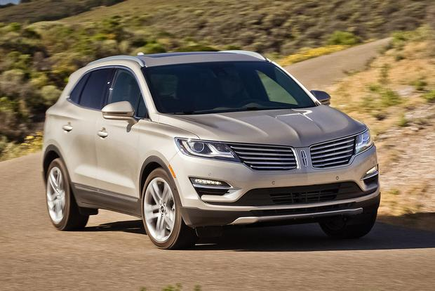 2015 Lincoln MKC vs. 2015 Lexus NX: Which Is Better? featured image large thumb5