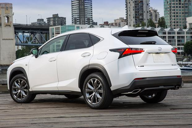 2015 Lincoln MKC vs. 2015 Lexus NX: Which Is Better? featured image large thumb10
