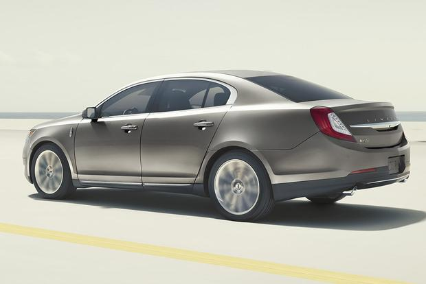 2015 Lincoln MKZ vs. 2015 Lincoln MKS: What's the Difference? featured image large thumb4