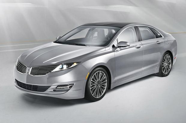 2015 Lincoln MKZ vs. 2015 Lincoln MKS: What's the Difference? featured image large thumb11